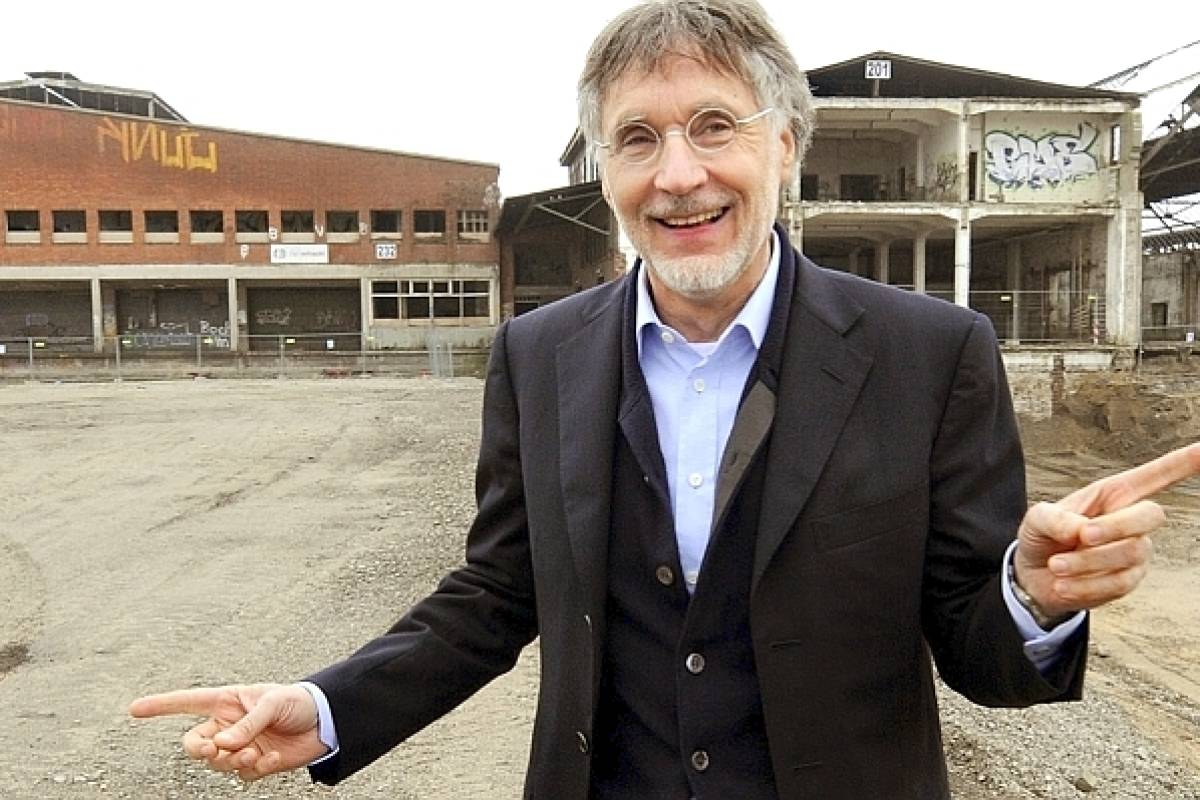 Warum Möbel Mogul Krieger Jetzt Duisburg Zappeln Lässt Wazde