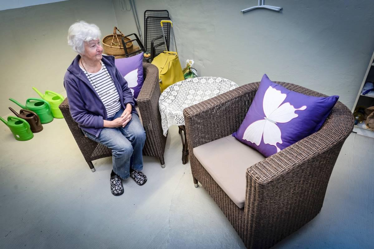Bochumerin Bleibt Auf Möbelspenden Für Flüchtlinge Sitzen