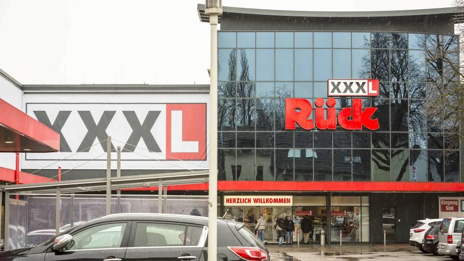 Ex Verkäufer Gewinnt Prozess Gegen Möbelhaus Xxxl Rück Wazde