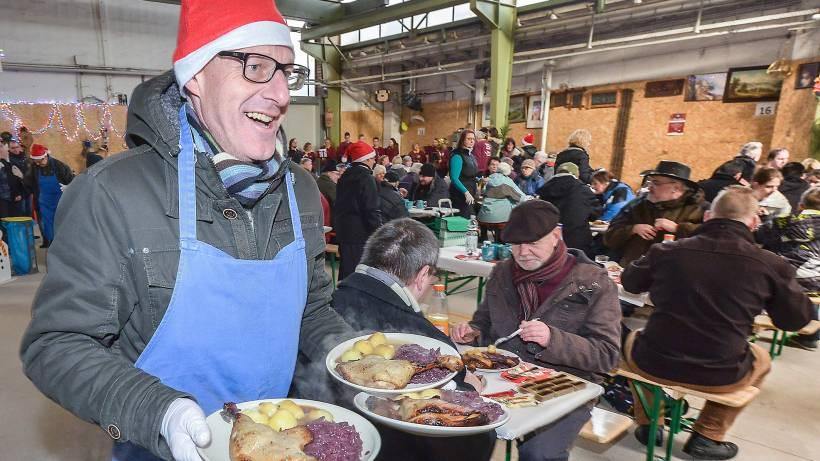 Weihnachtsessen Dortmund.Ruhrtal Engel Laden Zum Weihnachtsessen Nach Annen Ein Waz De Witten