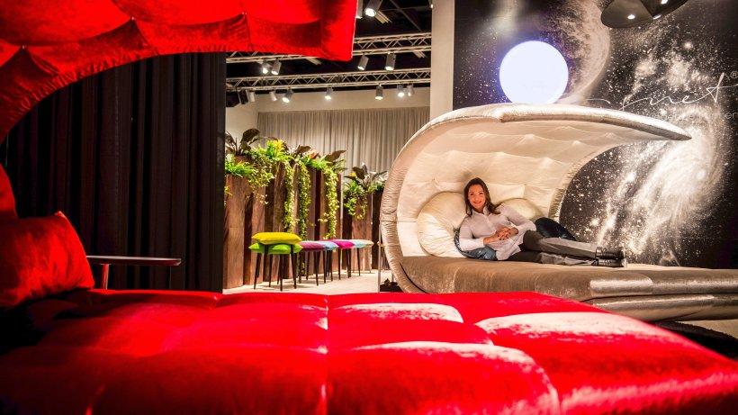 gutes von gestern m bel designer greifen alte trends auf wochenende. Black Bedroom Furniture Sets. Home Design Ideas