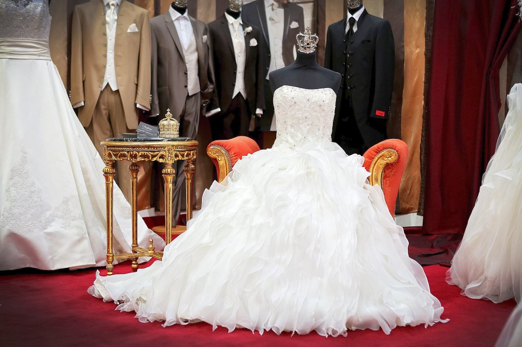 43 Betrugsanzeigen gegen Brautkleid-Geschäft in Marxloh   waz.de ...