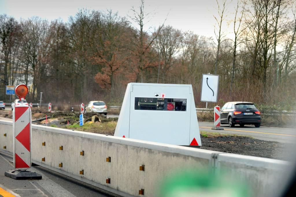 Streit Um Mobilen Blitzer Auf A52 In Essen Ist Vor Gericht Wazde