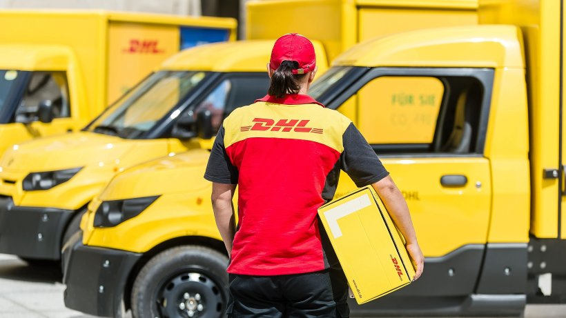 dhl vergr ert elektroflotte in bochum auf 42 fahrzeuge bochum. Black Bedroom Furniture Sets. Home Design Ideas