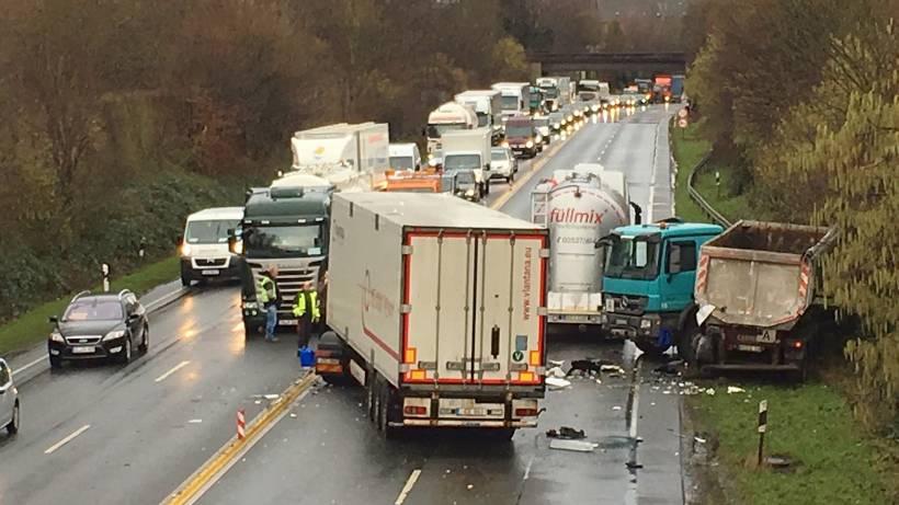 Aufräumarbeiten Beendet Verkehr Auf Der B224 Fließt Wieder Wazde