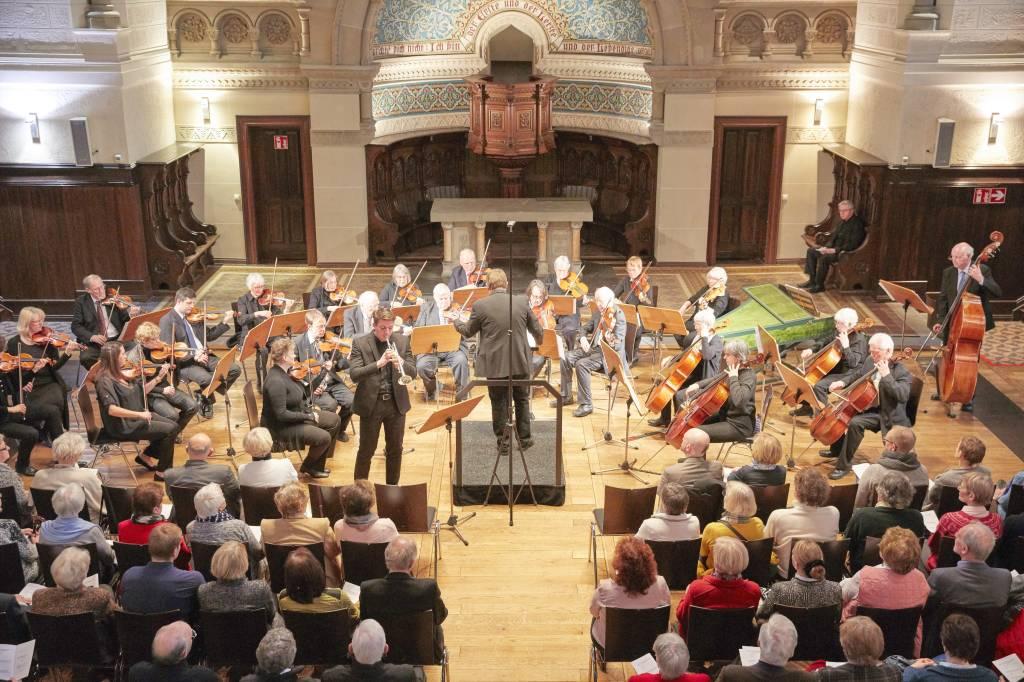 Bürgerhausorchester begeistert in der Eventkirche Langenberg | waz ...