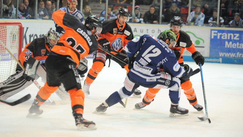 Eishockey: Furioses Comeback der Roosters nach dem 3:6