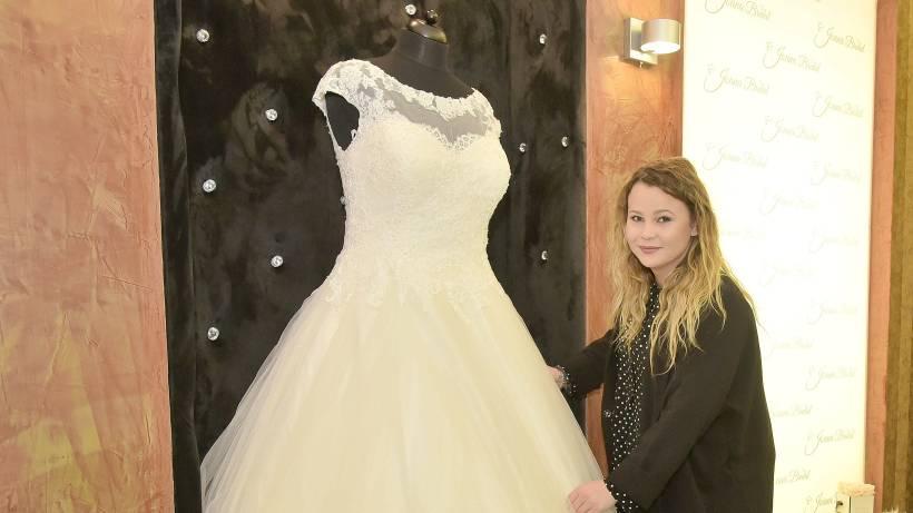 Brautmodengeschaft Fur Kurvige Frauen In Mulheim Eroffnet Waz De