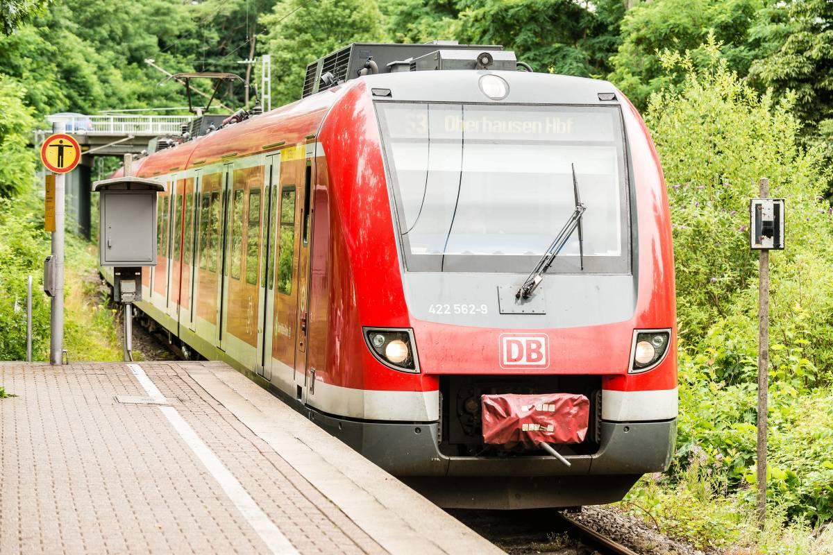 Vrr Streicht S Bahn Und Setzt Neue Regionalbahn Ein Wazde