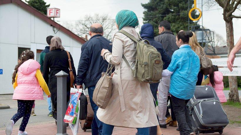 Müssen die Städte jetzt für Flüchtlinge die Steuern erhöhen?