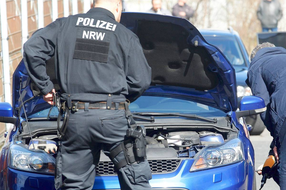 Polizei Bereitet Sich Auf Sondereinsatze Am Carfreitag Vor Waz