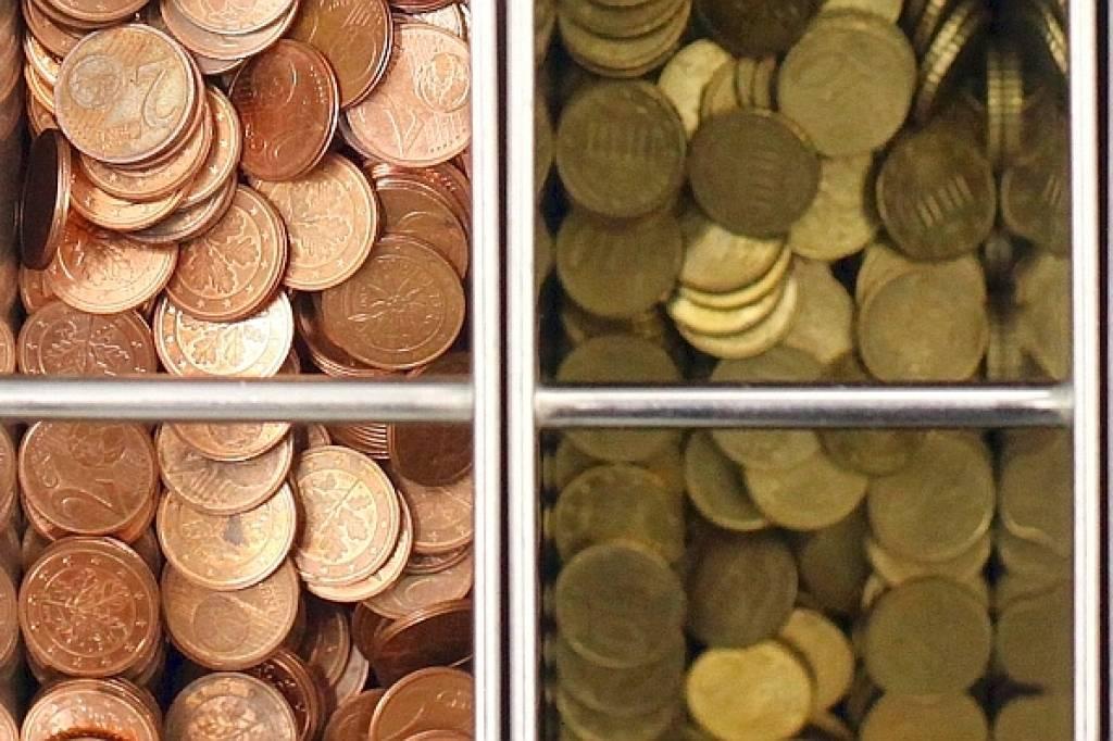 Am Münzgeldautomat Der Sparkasse Sind Die Kunden Schweigsam Wazde