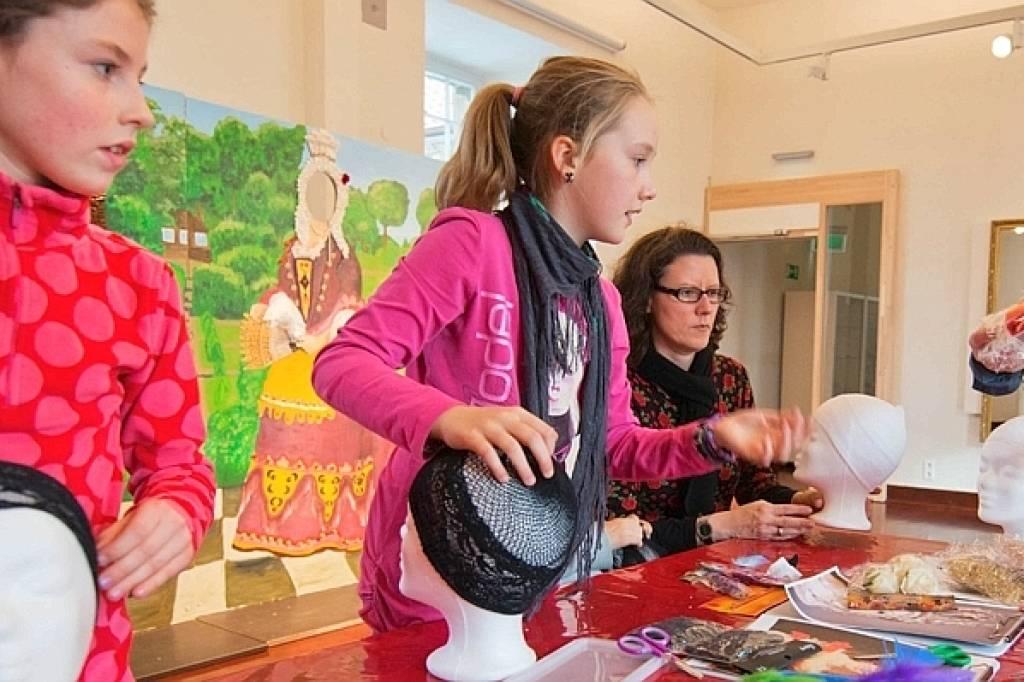 Kinder Kreieren Frisuren Wie Im Barock Waz De Herne Wanne Eickel