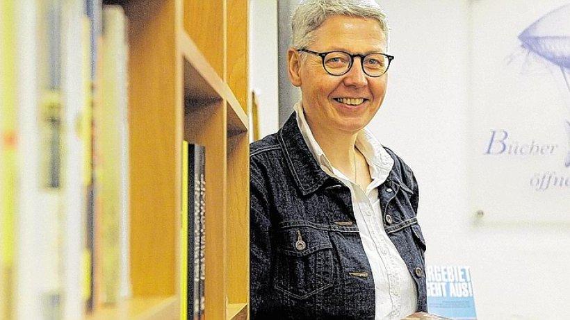 Buchhändlerin bereitet Umzug vor WAZ