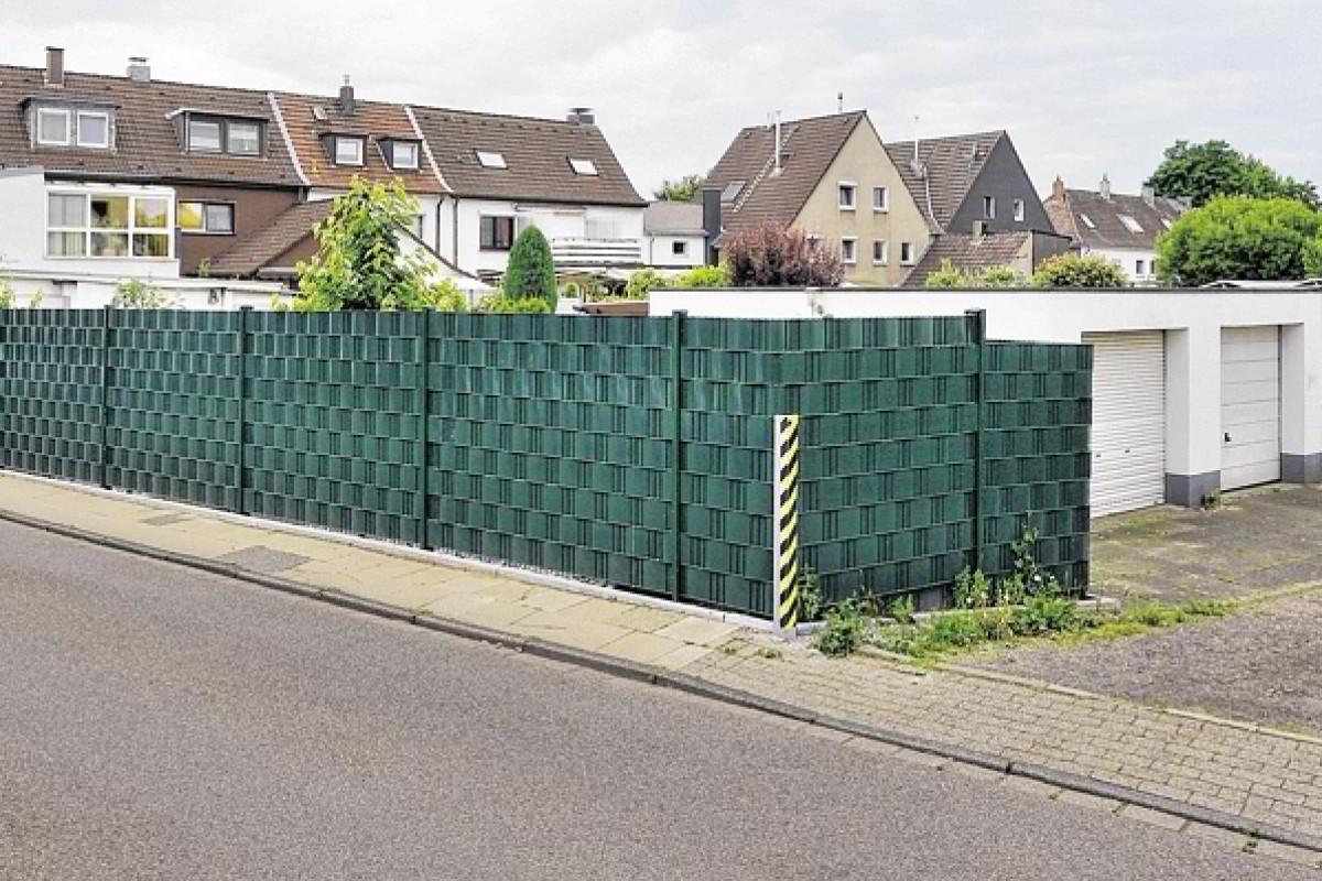 Blickdichter Zaun In Mulheim Sorgt Fur Zoff Mit Der Stadt Waz De