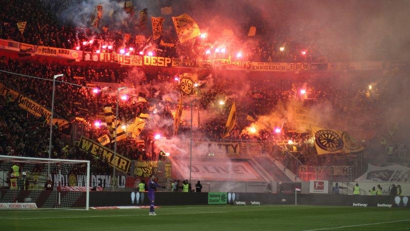 borussia dortmund muss wegen pyrotechnik 62 000 euro