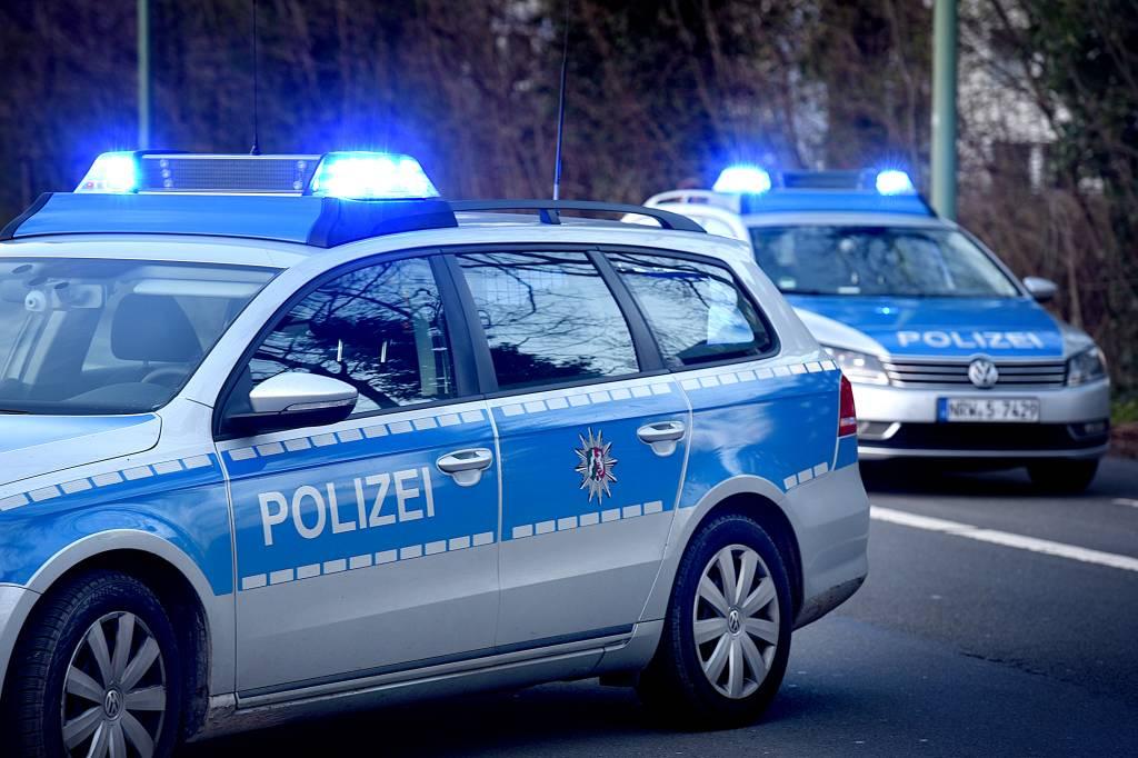 Kia kippt bei einem Unfall um - 81-Jähriger Fahrer verletzt | waz.de ...