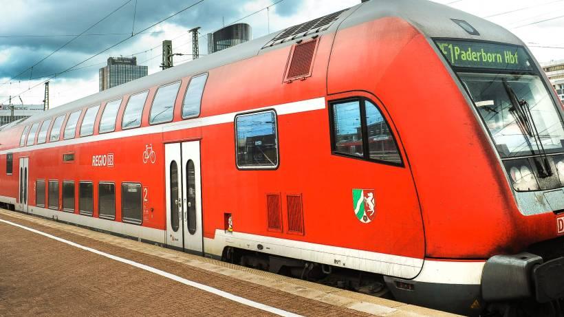 Personen Im Gleis Bahnstrecke Muss Zweimal Gesperrt Werden Wazde