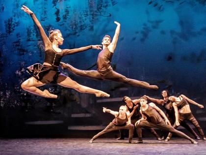 Ballett oben ohne