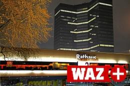 Essen: Corona-Totengedenken – 494 Rathausfenster erleuchtet