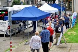Impfbus rollt zum Fußball-Benefizturnier in Hattingen