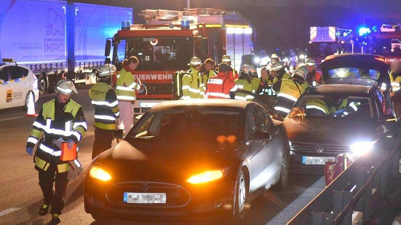 Mutiger Mann bremst bewusstlosen Autofahrer auf der Autobahn aus