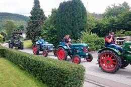 Treckertreff: Mehr als 80 Traktoren tuckern Samstag nach Benolpe