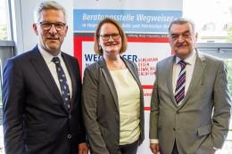Extremismus: Minister eröffnet Beratungsstelle gegen Salafismus in Hagen