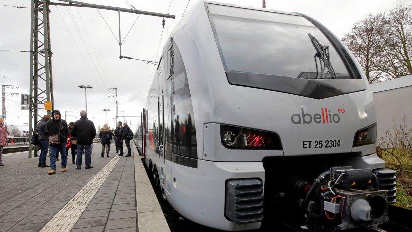 RE-19-Strecke zwischen Oberhausen und Emmerich gesperrt - WAZ News