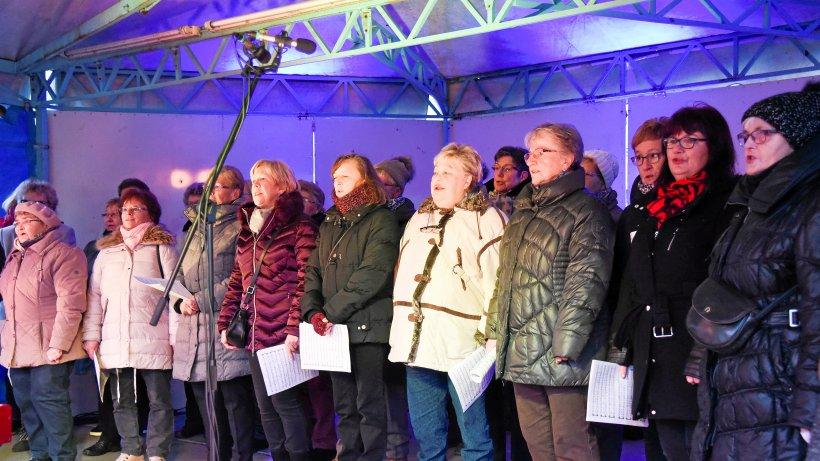Mitwirkende für weihnachtliches Bühnenprogramm gesucht - Westdeutsche Allgemeine Zeitung