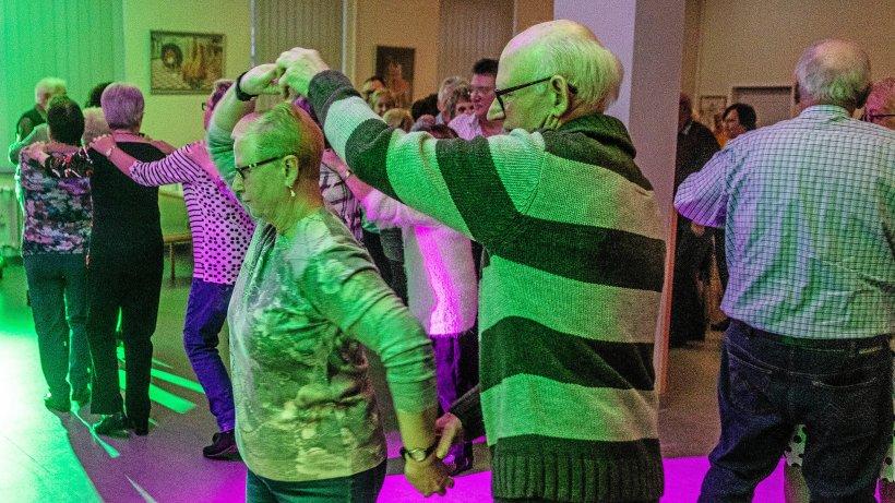 Senioren lassen beim Rock'n' Roll Erinnerungen aufleben - Westdeutsche Allgemeine Zeitung