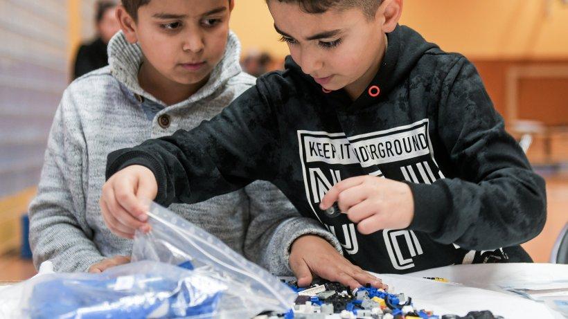 Kinder aus Hattingen bauen ihre Traumstadt – aus Lego - Westdeutsche Allgemeine Zeitung