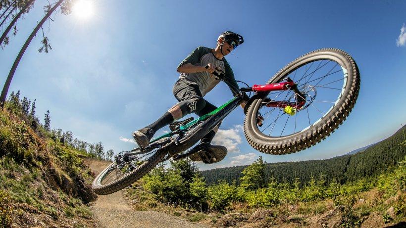 Mendener Downhill-Mountainbikestrecke nimmt erste Hürde - WAZ News