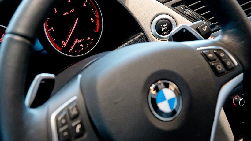 Unbekannte stehlen Multifunktionslenkräder aus zwei BMW - Westdeutsche Allgemeine Zeitung