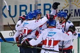 DEL-Eishockey: Titelfavoriten Mannheim und München mit knappen Siegen