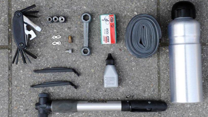 mit-dem-rad-unterwegs-mit-werkzeug-und-wasserdichten-taschen-gelingt-die-radreise