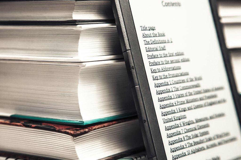 Kindle Oder Die Anderen Darauf Muss Man Beim Kauf Eines E Book Readers Achten