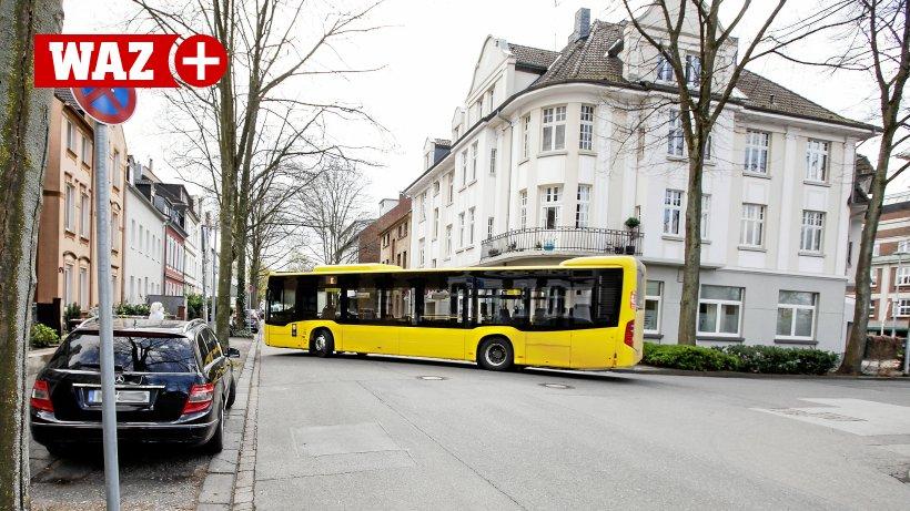 Pandemie-Impfshuttle-fast-immer-leer-M-lheimer-fordern-kleineren-Bus