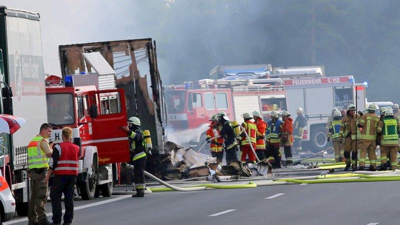 Polizei Rechnet Nach Reisebus Unfall Auf A9 Mit Toten Westdeutsche