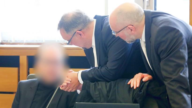 Apotheker Skandal Prozess Geht Mit Neuem Schöffen Weiter Wazde