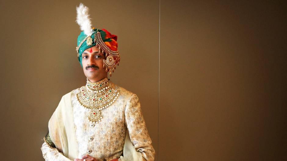 Indische Schwule datieren Entfernung Dating-Website