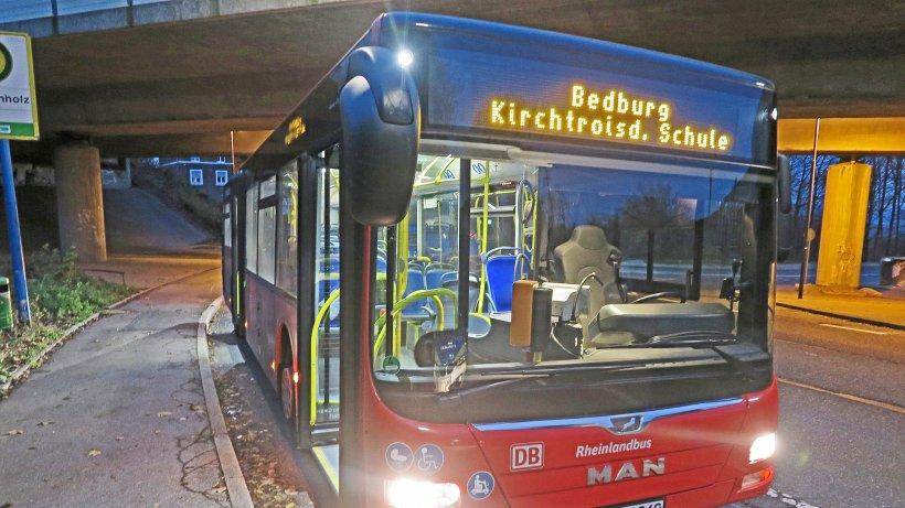Velbert: Busfahrer mitten am Tag ausgeraubt und verletzt