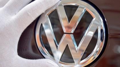 Trotz des Skandals um elf Millionen manipulierte Dieselfahrzeuge steigt der Absatz bei VW.