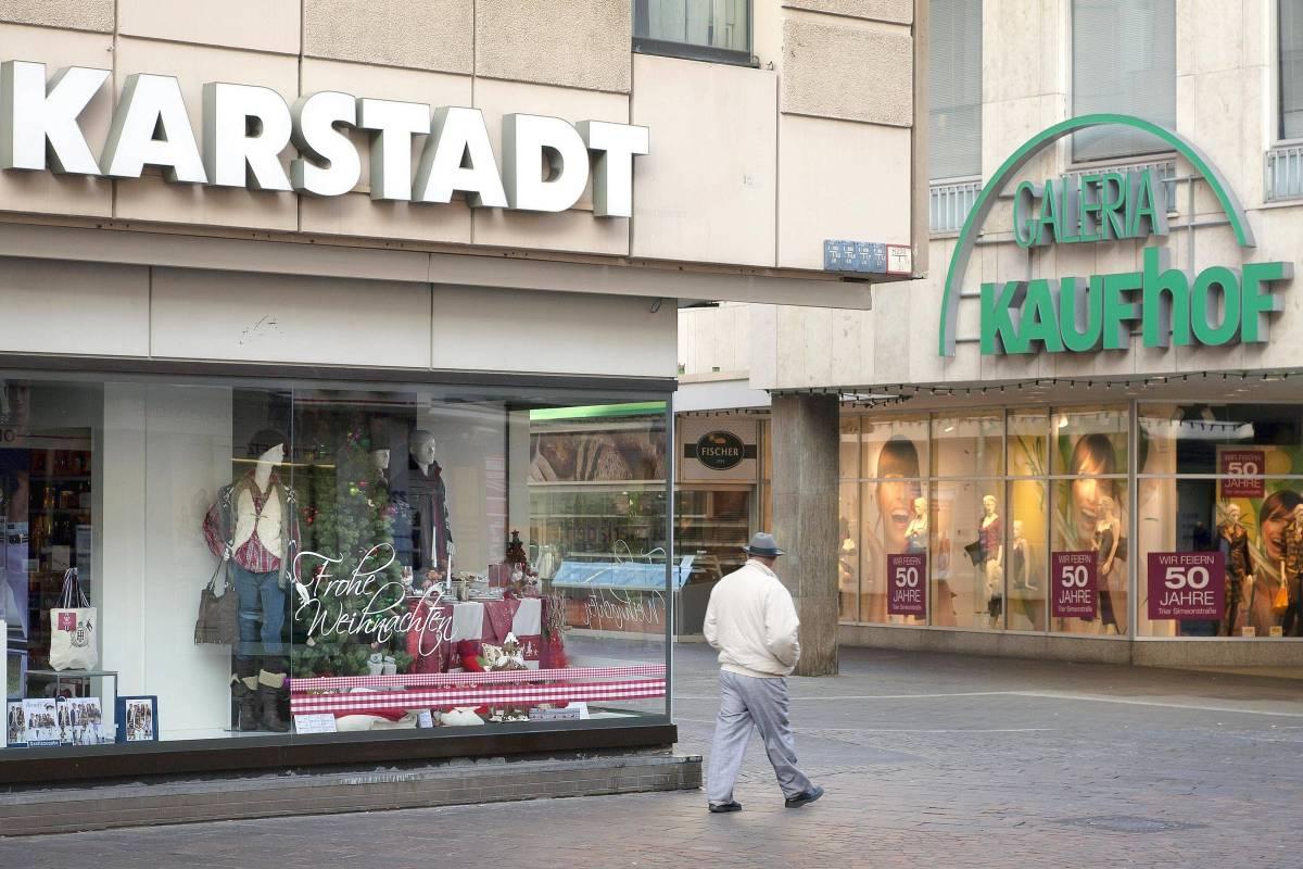 002db02053 Die Erzrivalen Kaufhof und Karstadt besiegeln ihre Fusion | waz.de |  Wirtschaft