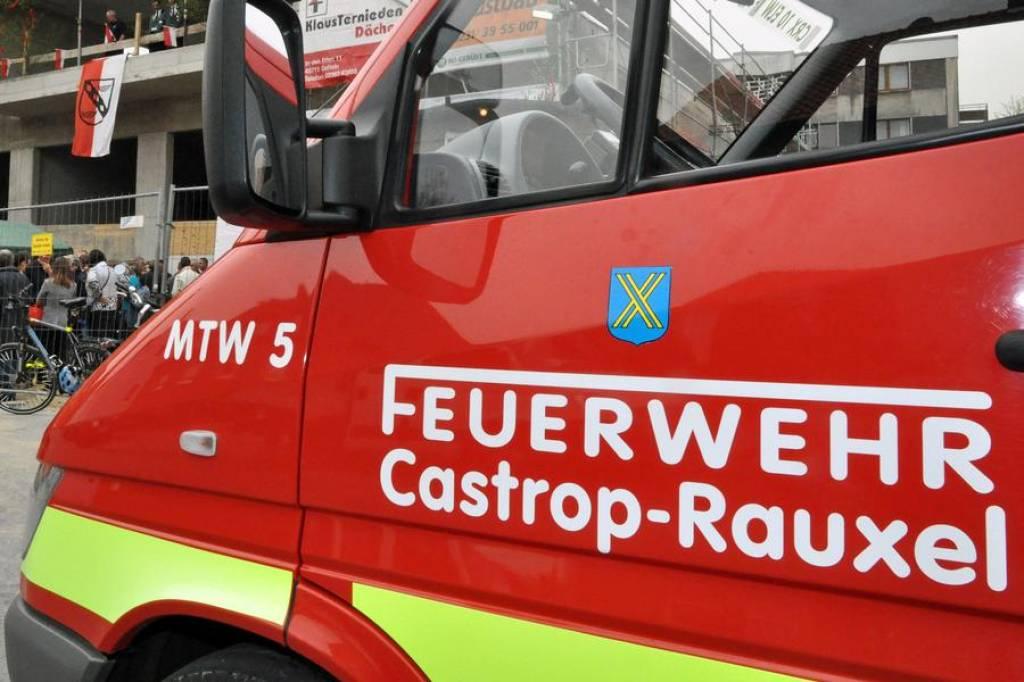 Sturm In Castrop Rauxel 14 Einsätze Für Feuerwehr Wazde